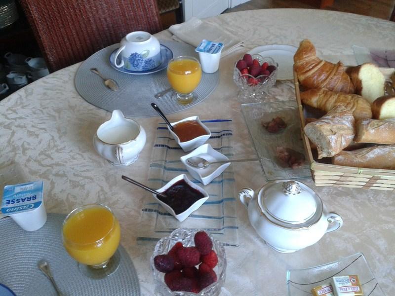 Petit-déjeuner chambre l'Escale