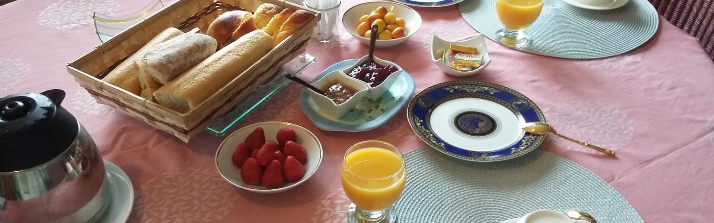 Services Petit dejeuner chambre hote La Masana